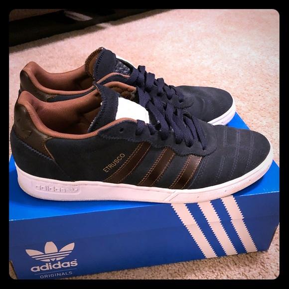 Adidas Etrusco men's size 9.0